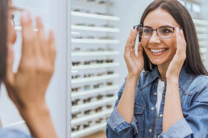 Dioptrijske naočale - koje vrste leća postoje i kako odabrati najbolje za sebe?