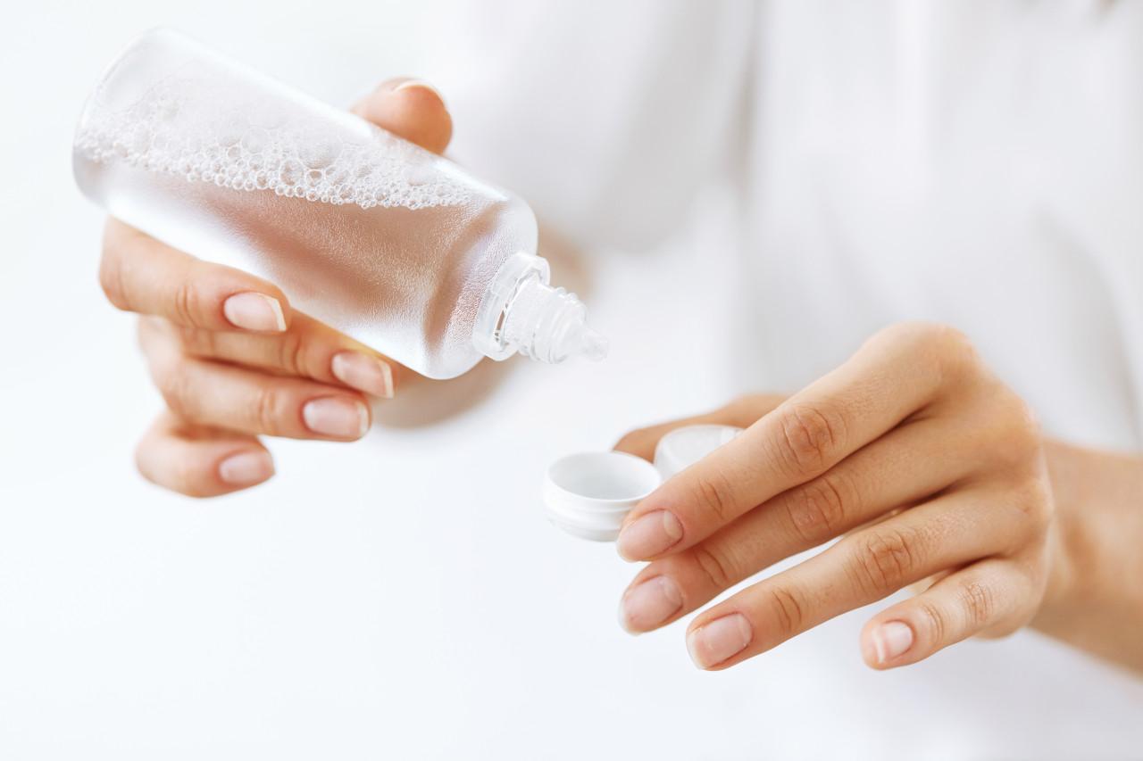 kontaktne lece, održavanje kontaktnih leća, čišćenje leća