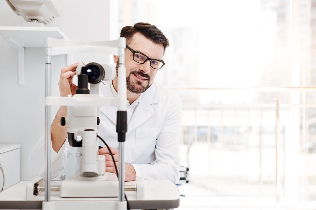 tko je optometrist, optometrist ili oftalmolog