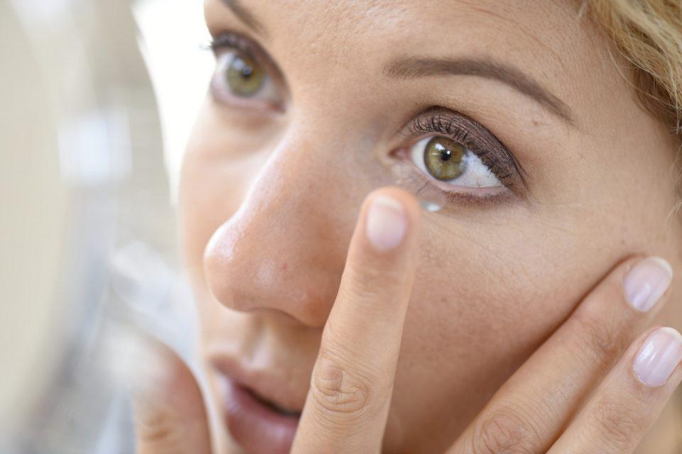 Stavljanje kontaktnih leća