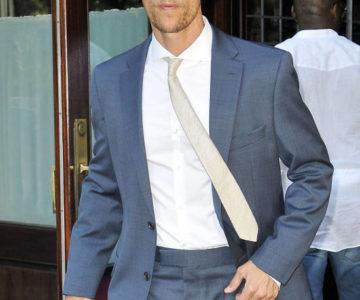 Matthew McConaughey nosi sunčane naočale Vogue VO3799S 54811