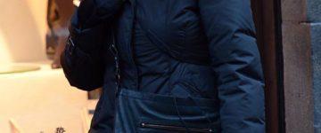 Francesca Neri nosi sunčane naočale Prada SPR 090 HA4-4M1 & Prada SPR 18l 7S2-4V1