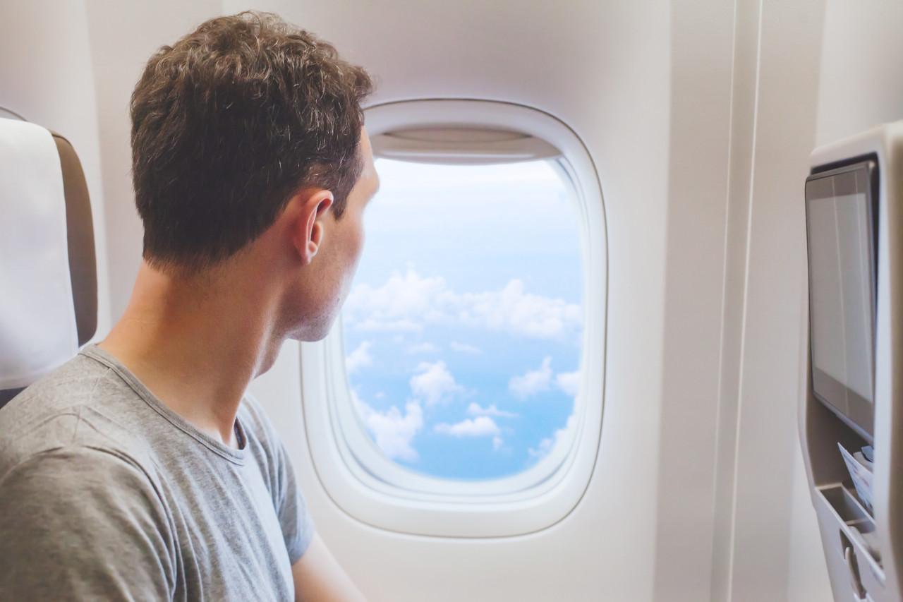 kako klima u zrakoplovima utjece na oko, kontaktne leće u avionu, leće u zrakoplovu