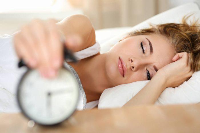 Spavanje s otvorenim očima - lagoftalmus