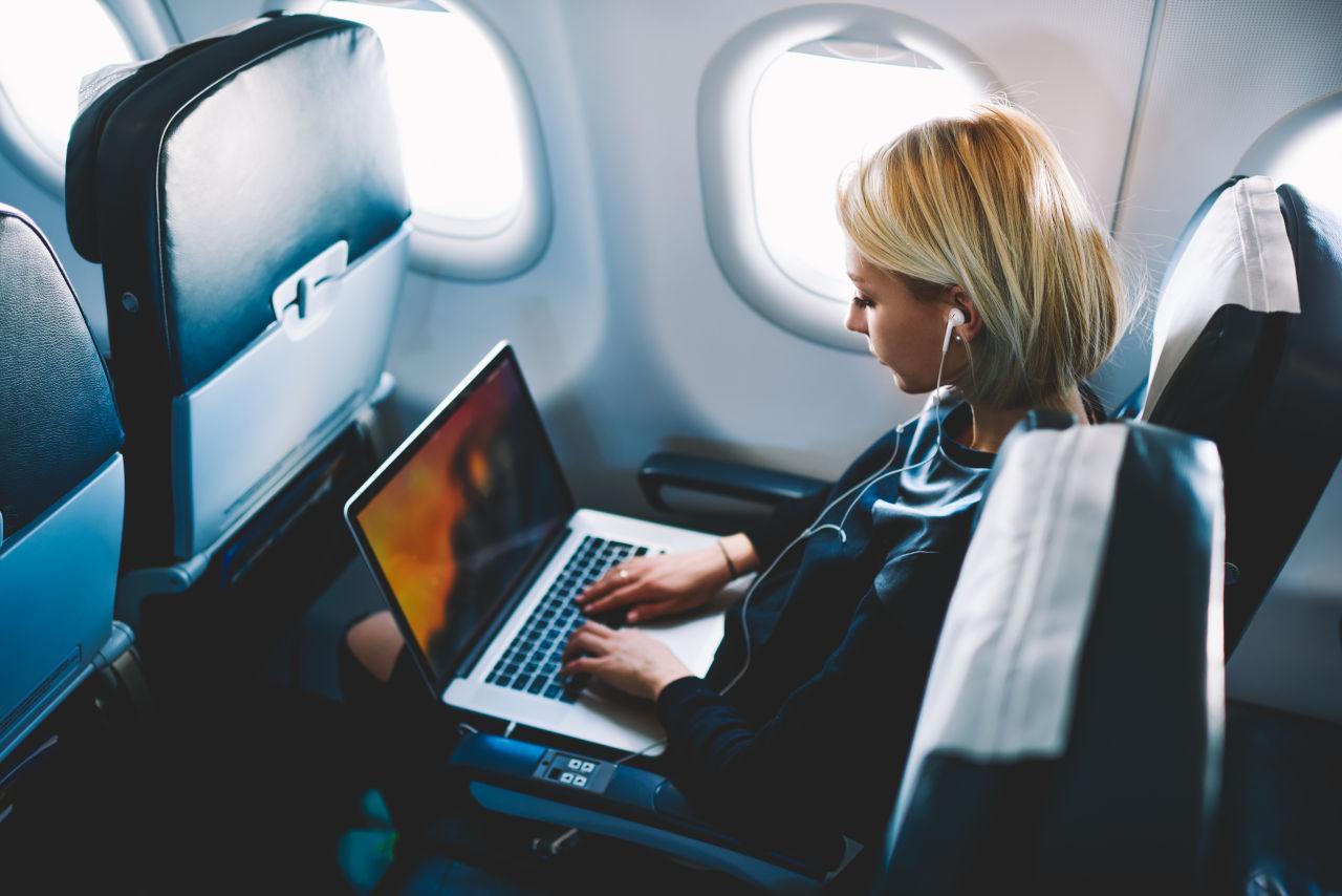 utjecaj zrakoplova na oci, leće i letenje, kontaktne leće u avionu