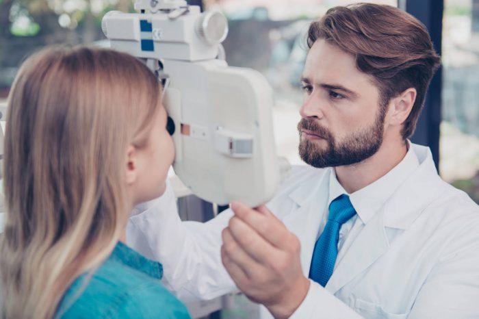 Što uzrokuje strabizam i kako se liječi?