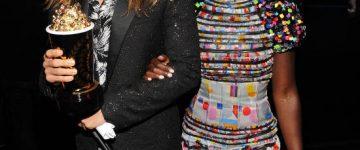 Lupita Nyong'o nosi dioptrijske naočale Prada PR 14QV