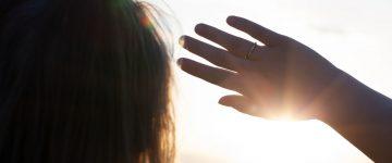 Što uzrokuje fotokeratitis ili snježno sljepilo?