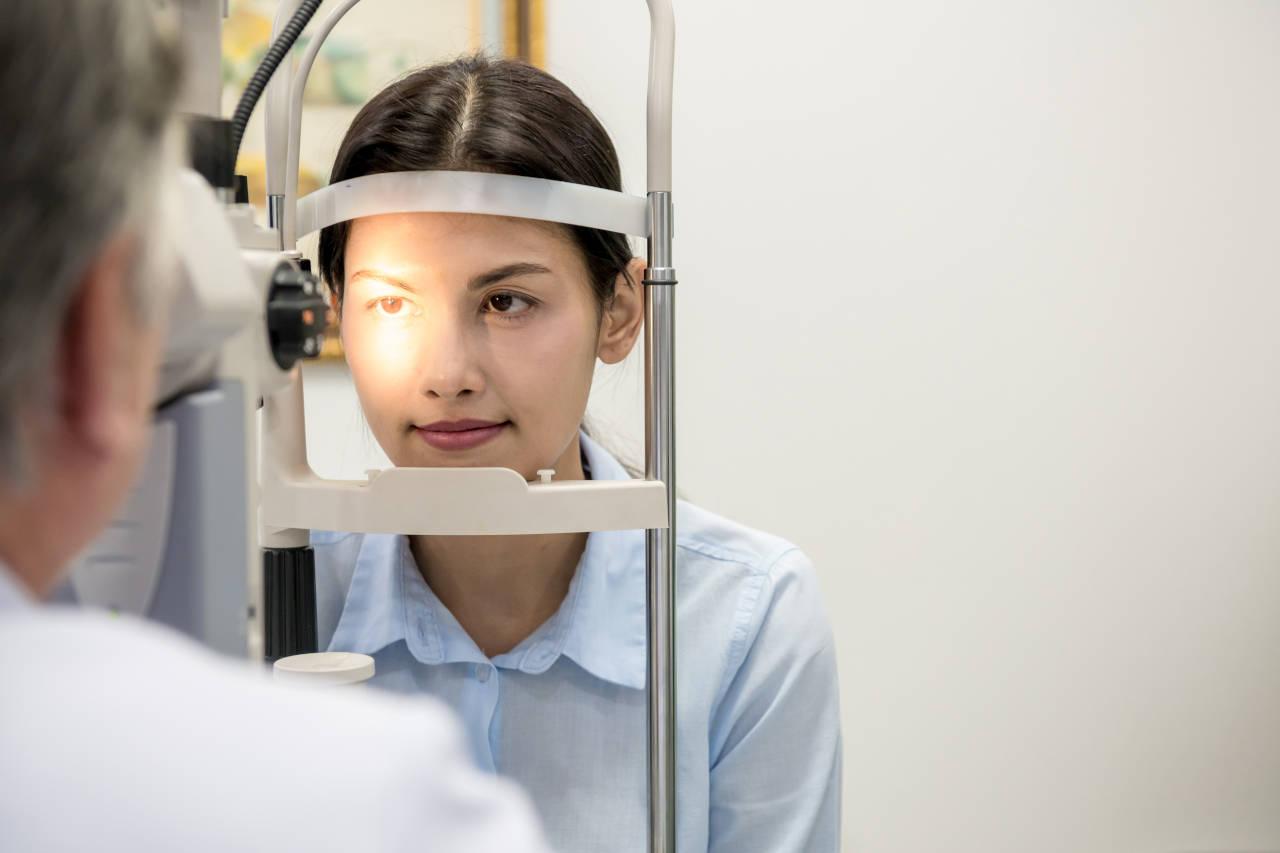 zamagljen vid, zamućen vid, zamućenje vida, mutan vid na jedno oko