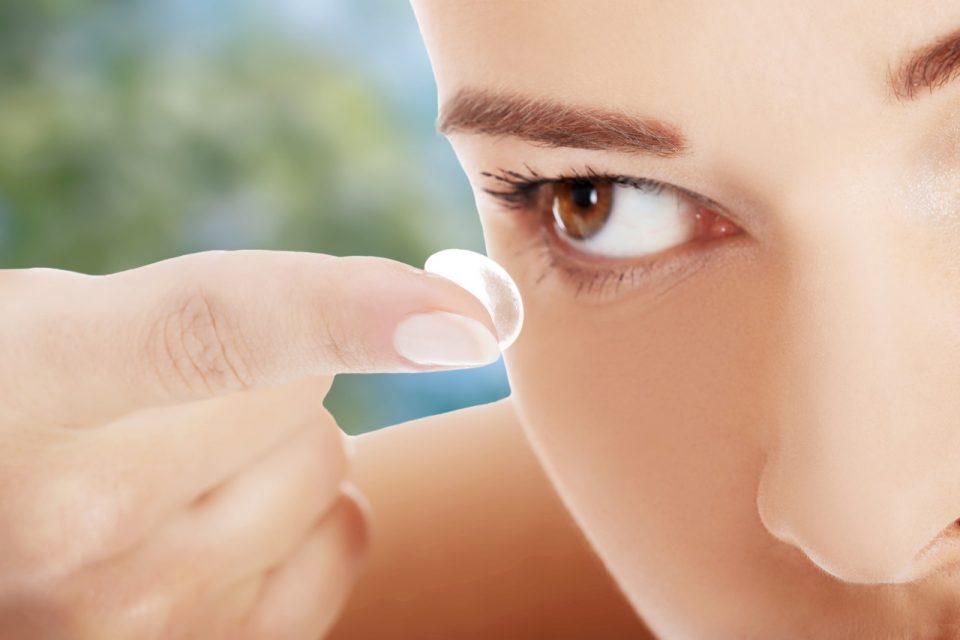 čišćenje kontaktnih leća, stavljanje leća