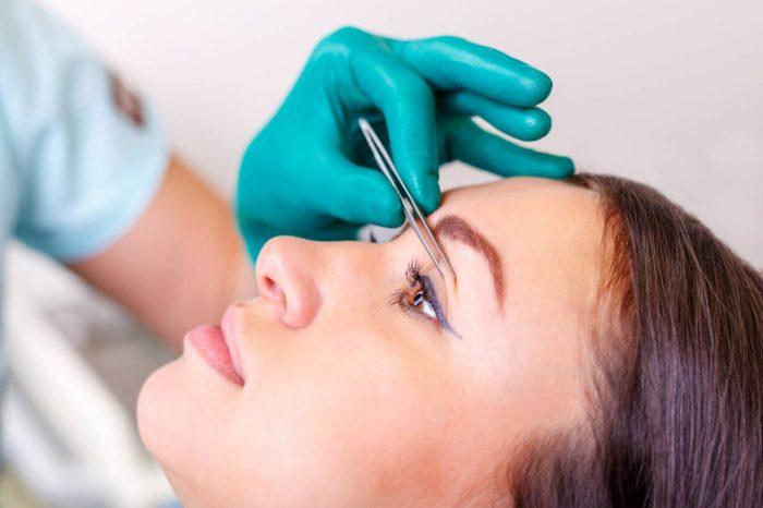 Suhoća očnih vjeđa – simptomi, uzroci i liječenje