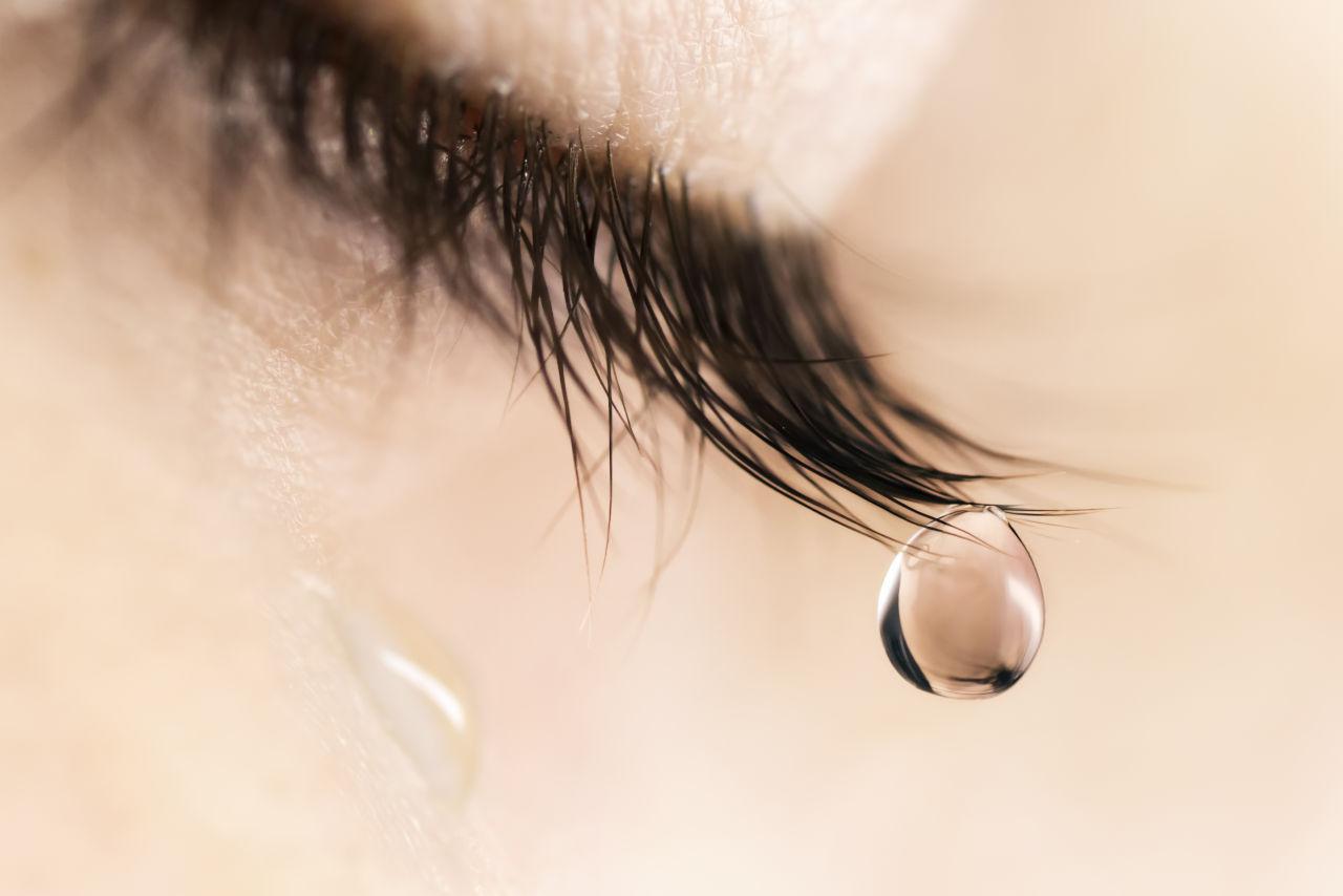 suzne oči
