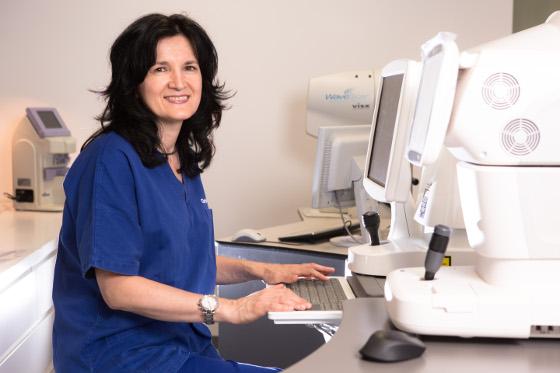 dr. Biljana Kuzmanović Elabjer oftalmolog