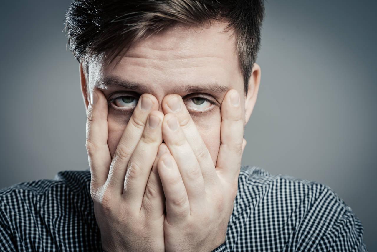 stres problemi s očima