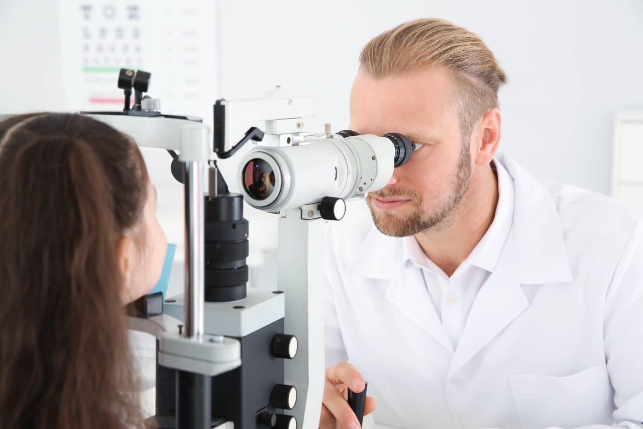 otečeni kapci, pregled oftalmologa